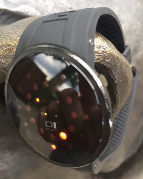 Led часы 01TheOne Slim Round slr202r3